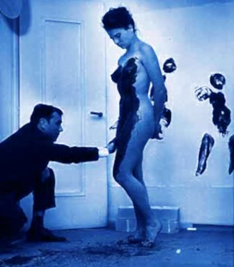 3yves-klein-model-painting